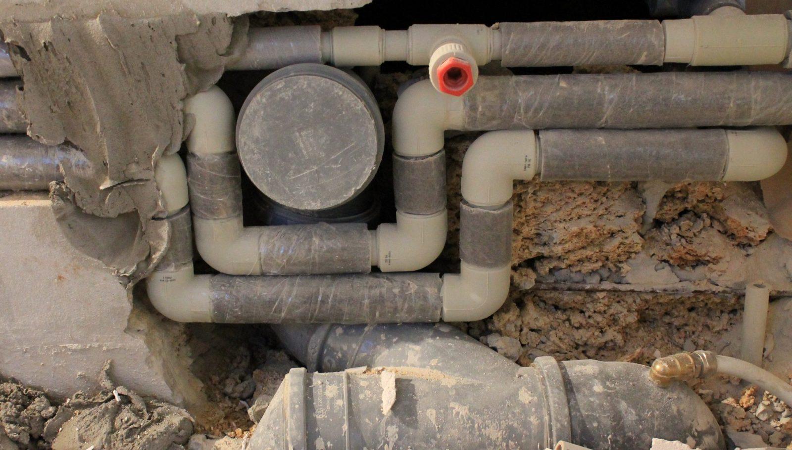 Установка труб в квартире канализационных своими руками