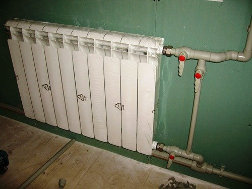 Podklyuchenie radiatora otopleniya - Установка радиаторов отопления